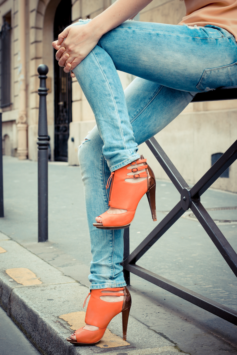 Linda-Rella-Ripped-Jeans-Buffalo-High-Heels-Orange-Pastell-Fashionblogger-8