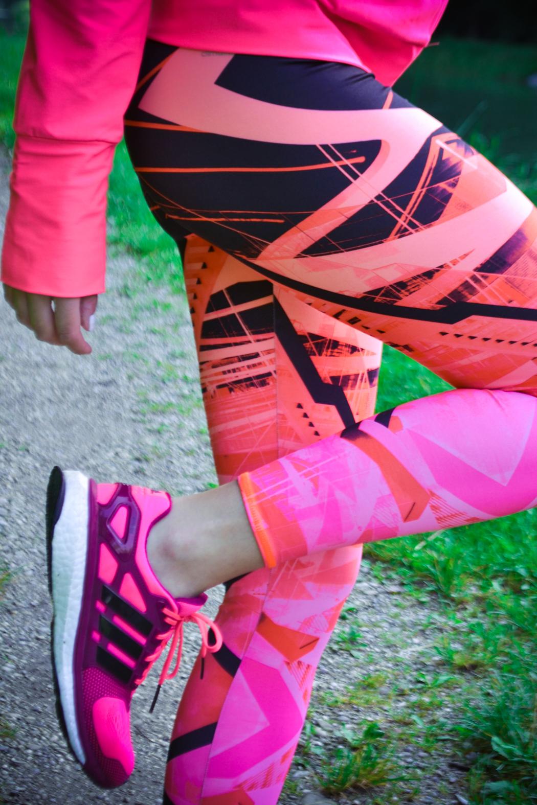 Lindarella-Fitnessblogger-Munich-München-Adidas-Boost-Laufschuhe-Pink-Sportoutfit-3