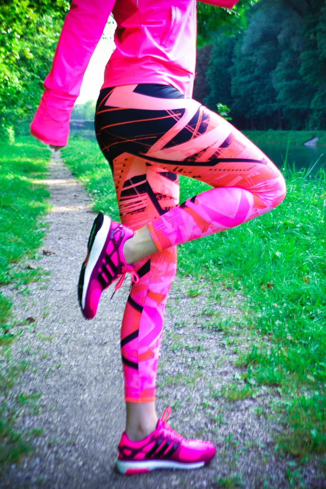 Lindarella-Fitnessblogger-Munich-München-Adidas-Boost-Laufschuhe-Pink-Sportoutfit-4