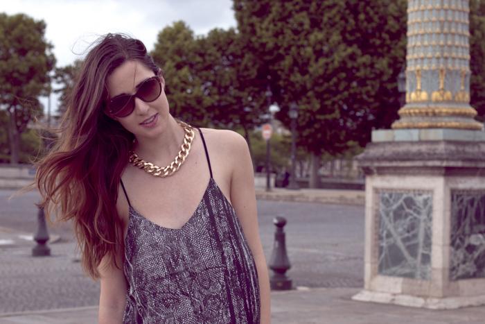 Place-de-la-Concorde-Fashionblogger-Black-Jeans-Zara-Michael-Kors-Sunglasses-1