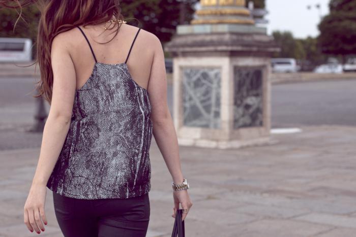 Place-de-la-Concorde-Fashionblogger-Black-Jeans-Zara-Michael-Kors-Sunglasses-3