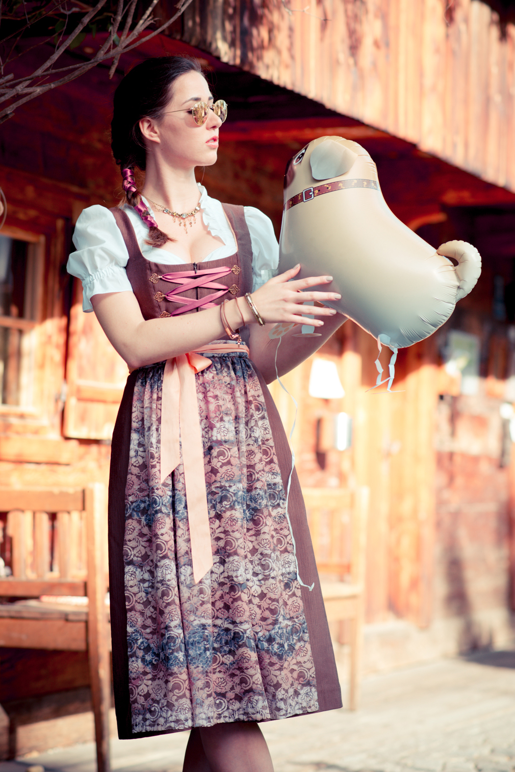 Dirndl-Bavaria-Fashionblogger-München-Viktor-2
