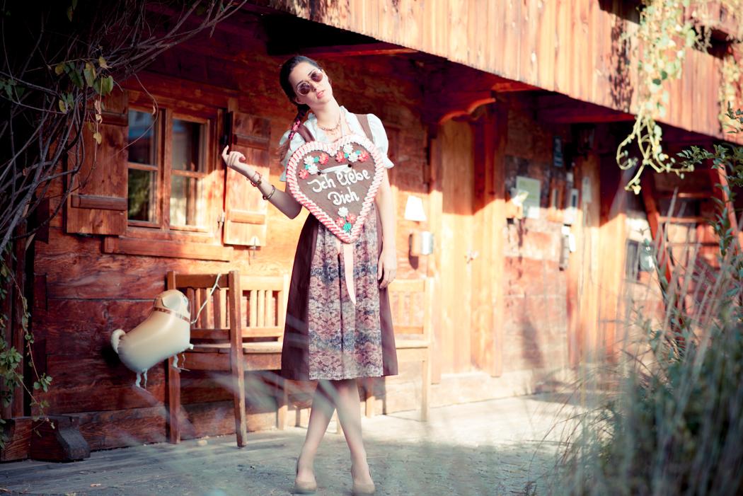Dirndl-Bavaria-Fashionblogger-München-Viktor-3