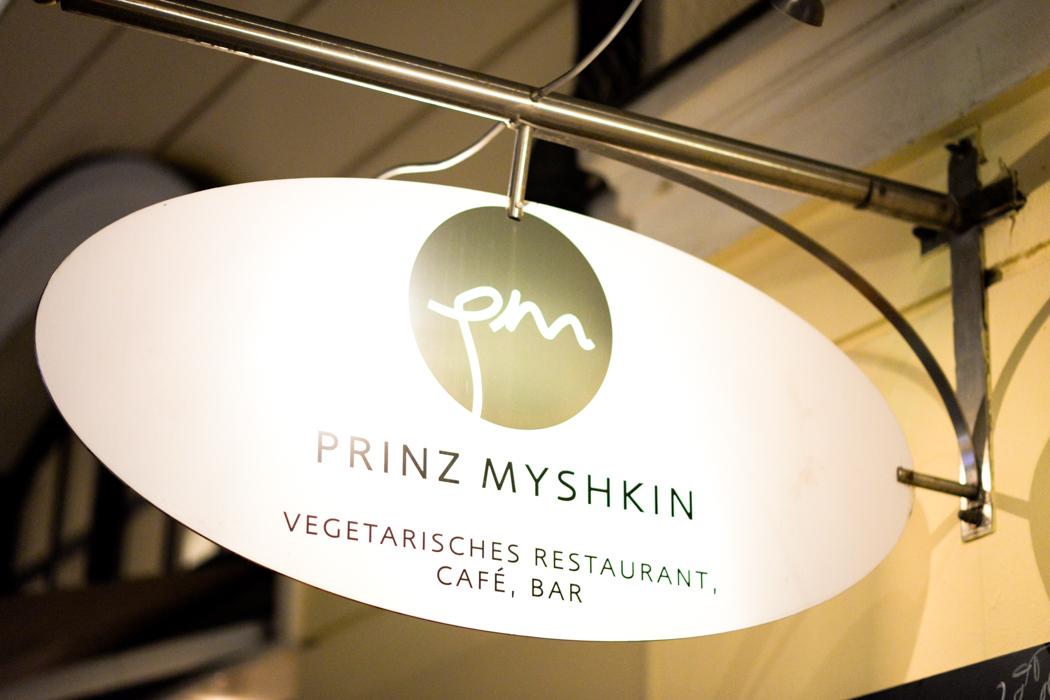 Geburtstag-Lindarella-Fashionblogger-München-Prinz-Myshkin-11
