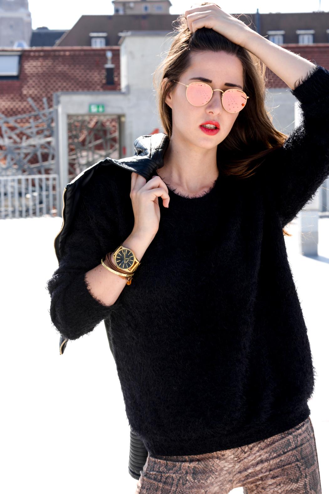 Schlangenpring-Leggins-Zara-Teddypulli-Nixon-Watch-Fashionblogger-München-8