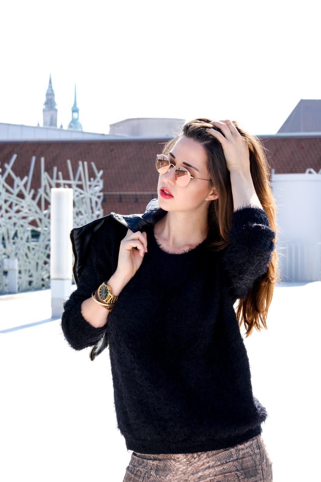 Schlangenpring-Leggins-Zara-Teddypulli-Nixon-Watch-Fashionblogger-München-9