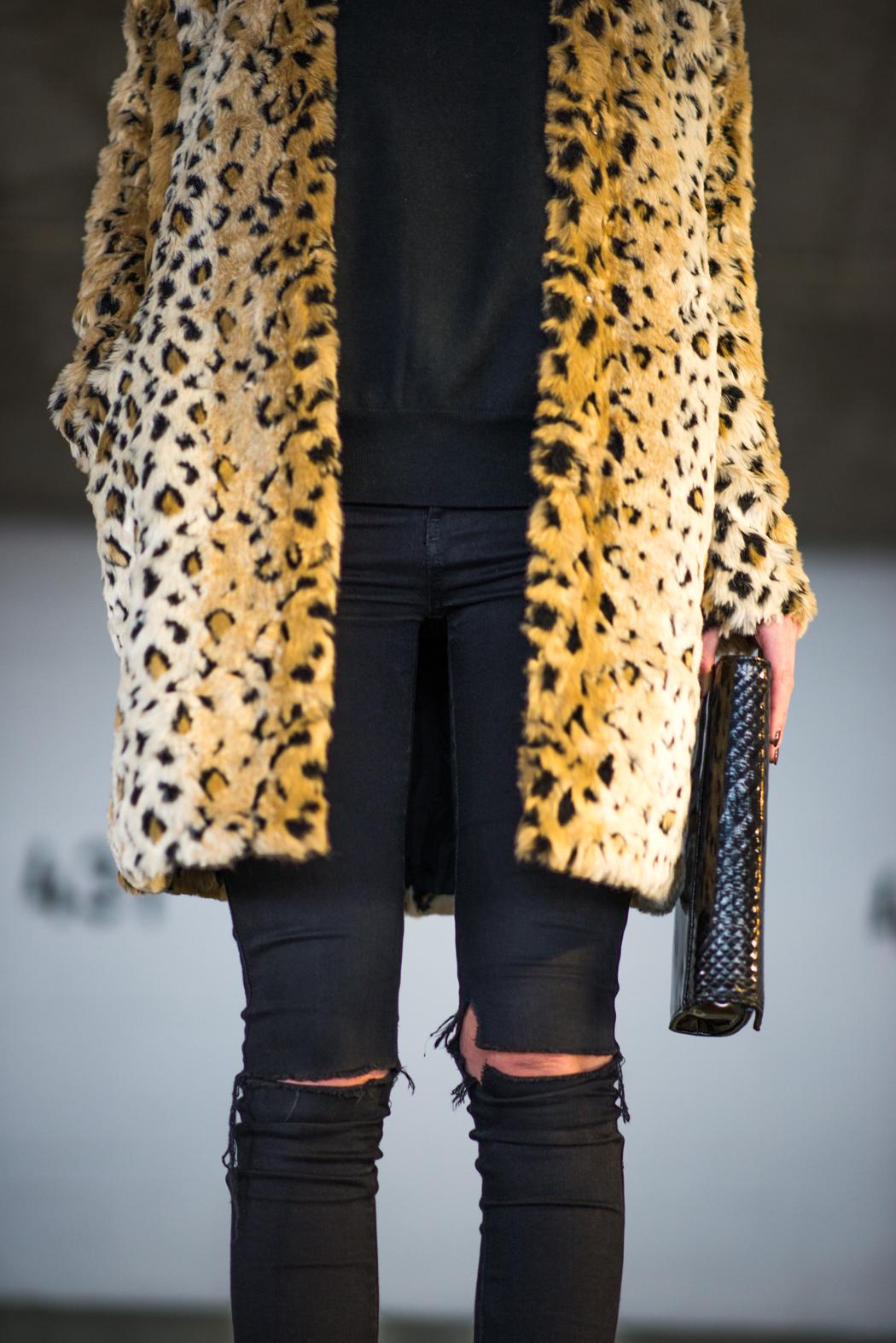 Leomantel-Ripped-Diesel-Jeans-Fashionblogger-Lindarella-8