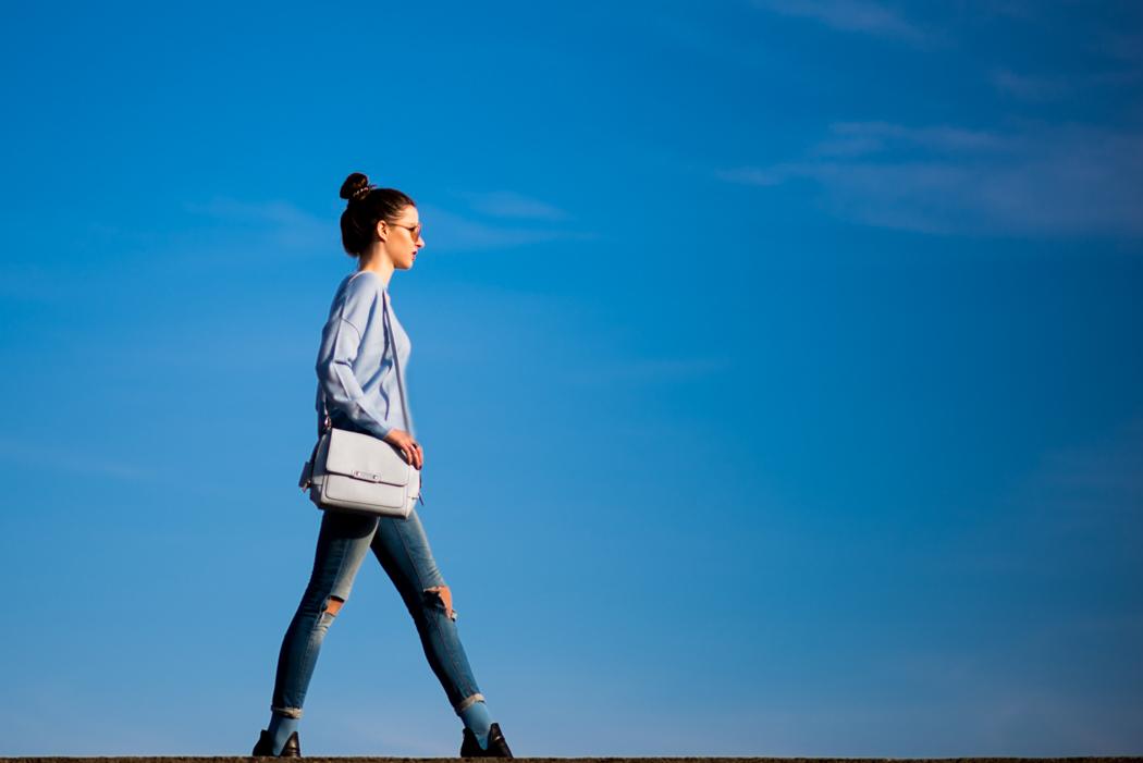 hellblau-Kurzpullover-Le-Specs-Macarena-Fashionblogger-4