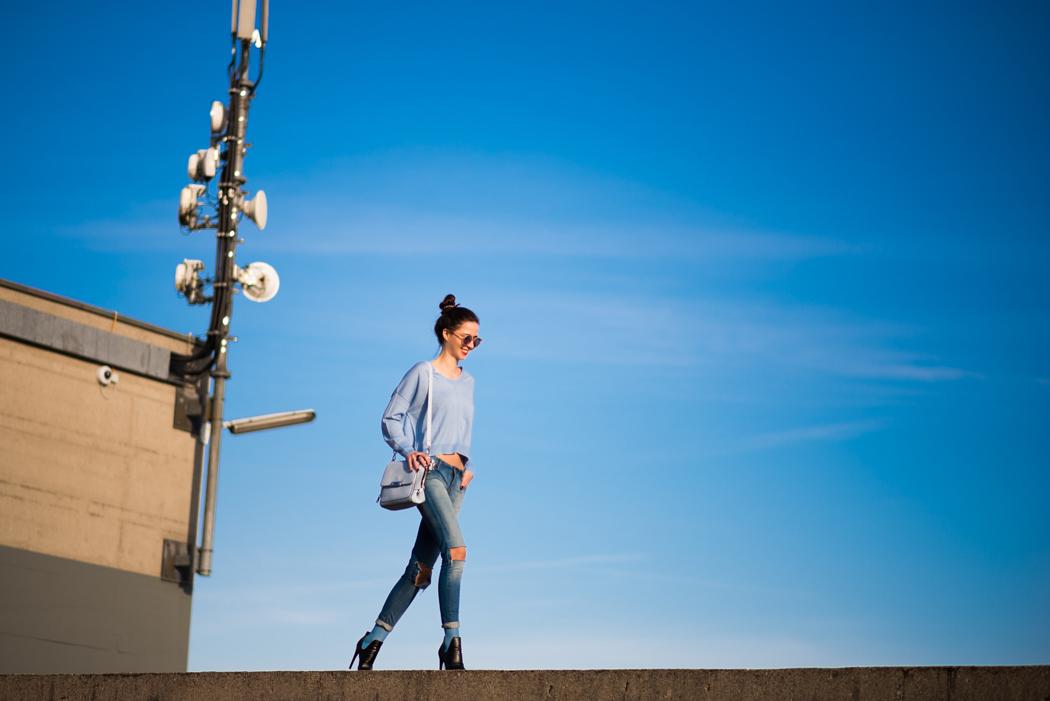 hellblau-Kurzpullover-Le-Specs-Macarena-Fashionblogger-5