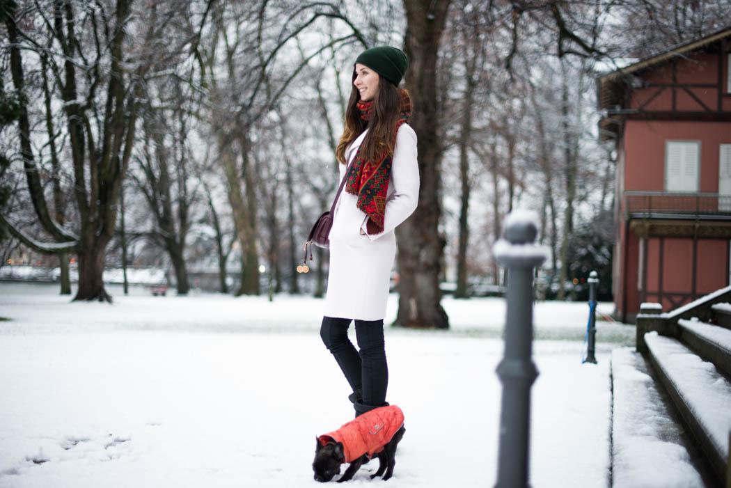 Chloe-Marcie-weinrot-Lindau-Lindarella-im-Schnee-2