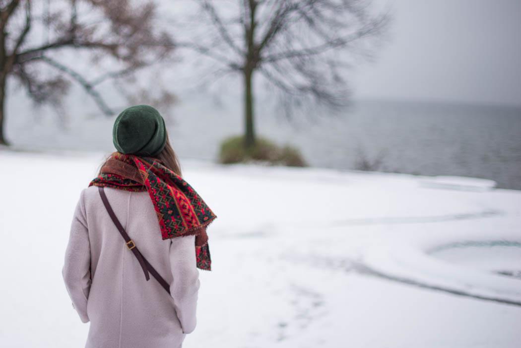 Chloe-Marcie-weinrot-Lindau-Lindarella-im-Schnee-4