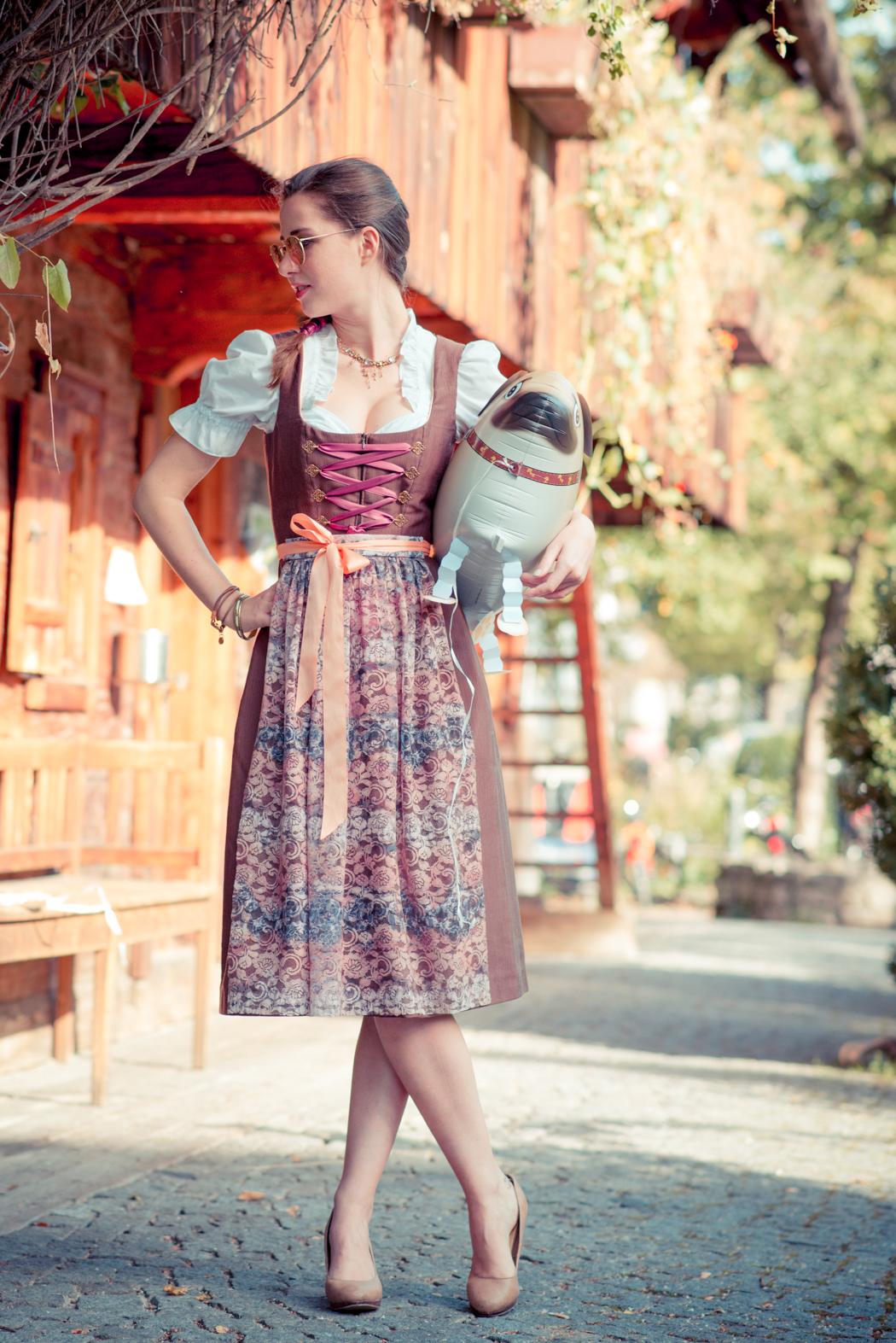 Dirndl-Bavaria-Fashionblogger-München-Viktor-1