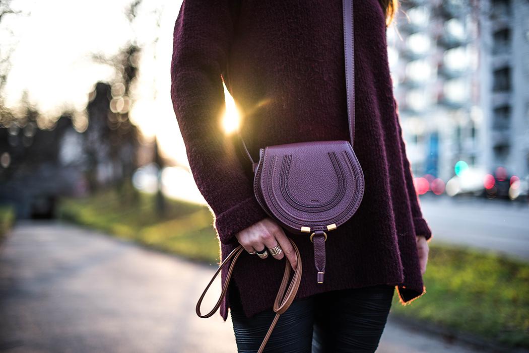 Oversize-Pulli-Weinrot-Lederleggins-Fashionblogger-Deutschland-4