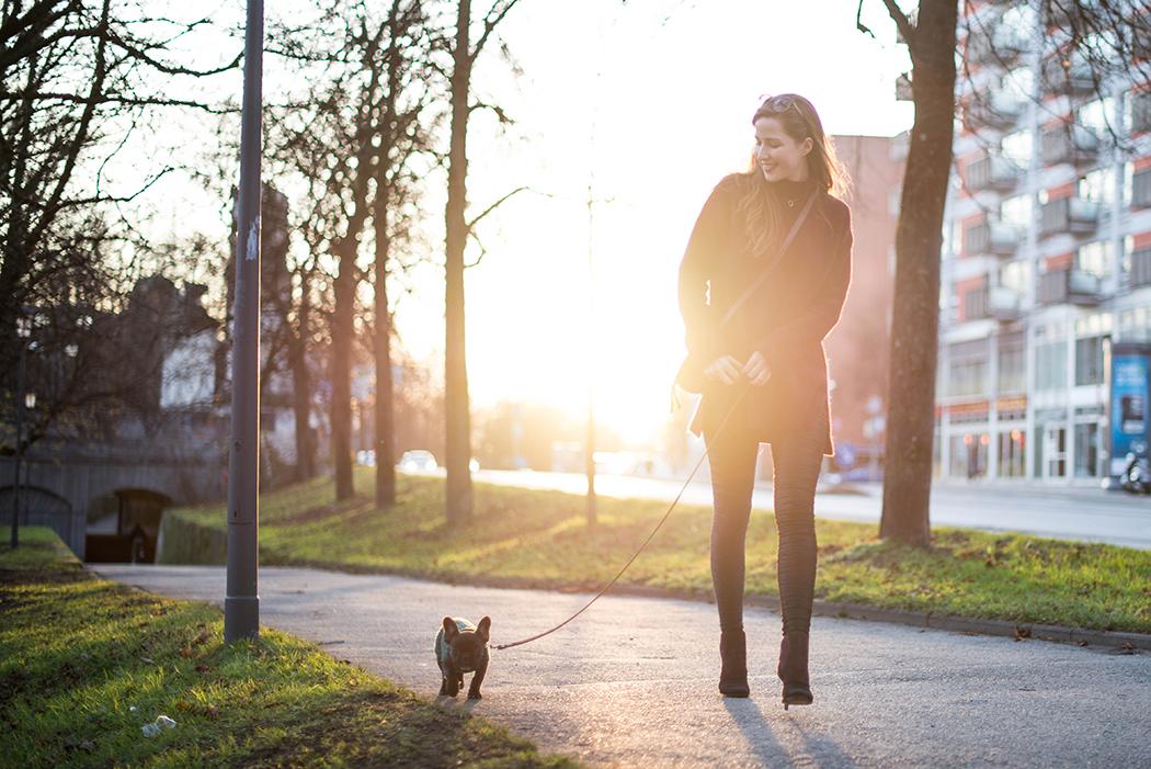 Oversize-Pulli-Weinrot-Lederleggins-Fashionblogger-Deutschland-6