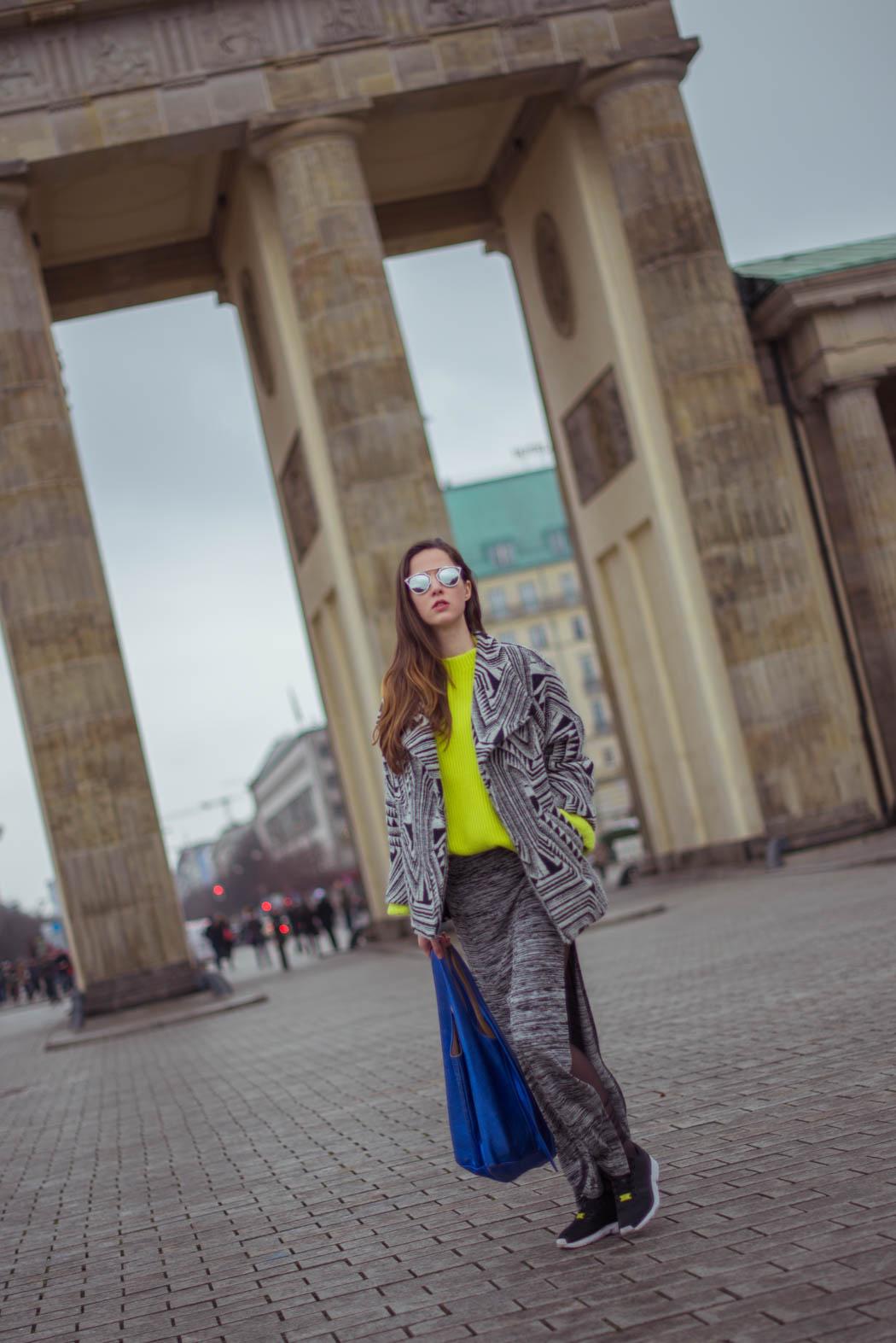 Dior-so-real-neongrüner-Pullover-Cos-Fashionblogger-München-Berlin-Deutschland-Lindarella-Streetstyle-3