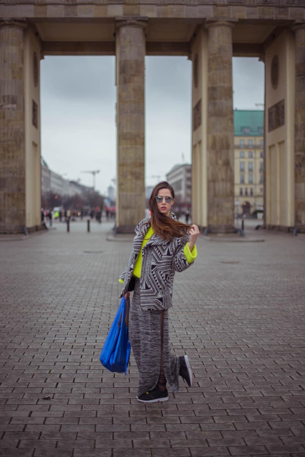 Dior-so-real-neongrüner-Pullover-Cos-Fashionblogger-München-Berlin-Deutschland-Lindarella-Streetstyle-4