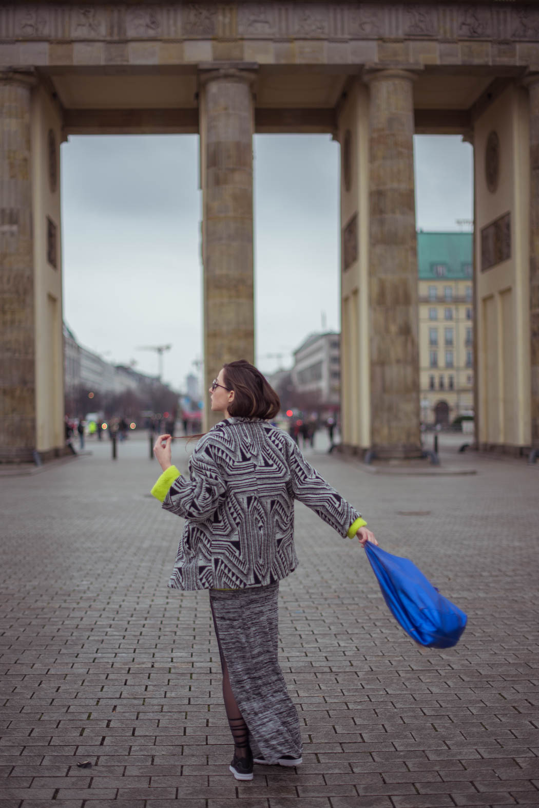 Dior-so-real-neongrüner-Pullover-Cos-Fashionblogger-München-Berlin-Deutschland-Lindarella-Streetstyle-5