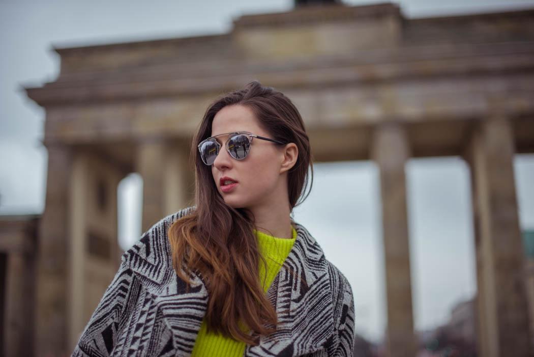 Dior-so-real-neongrüner-Pullover-Cos-Fashionblogger-München-Berlin-Deutschland-Lindarella-Streetstyle-6