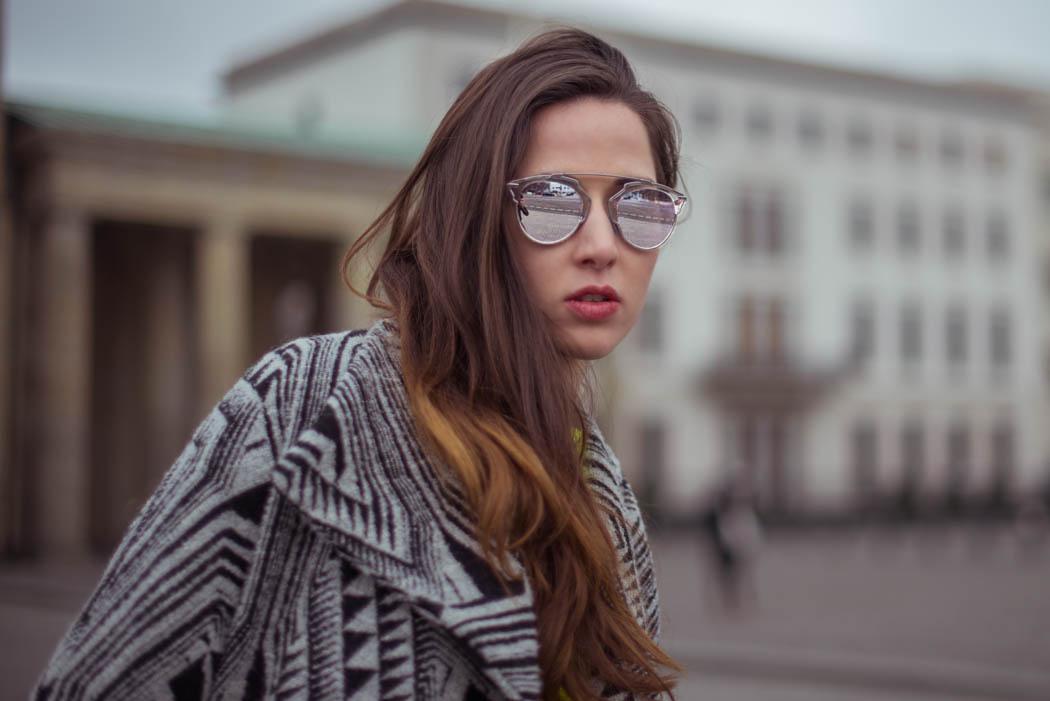 Dior-so-real-neongrüner-Pullover-Cos-Fashionblogger-München-Berlin-Deutschland-Lindarella-Streetstyle-7
