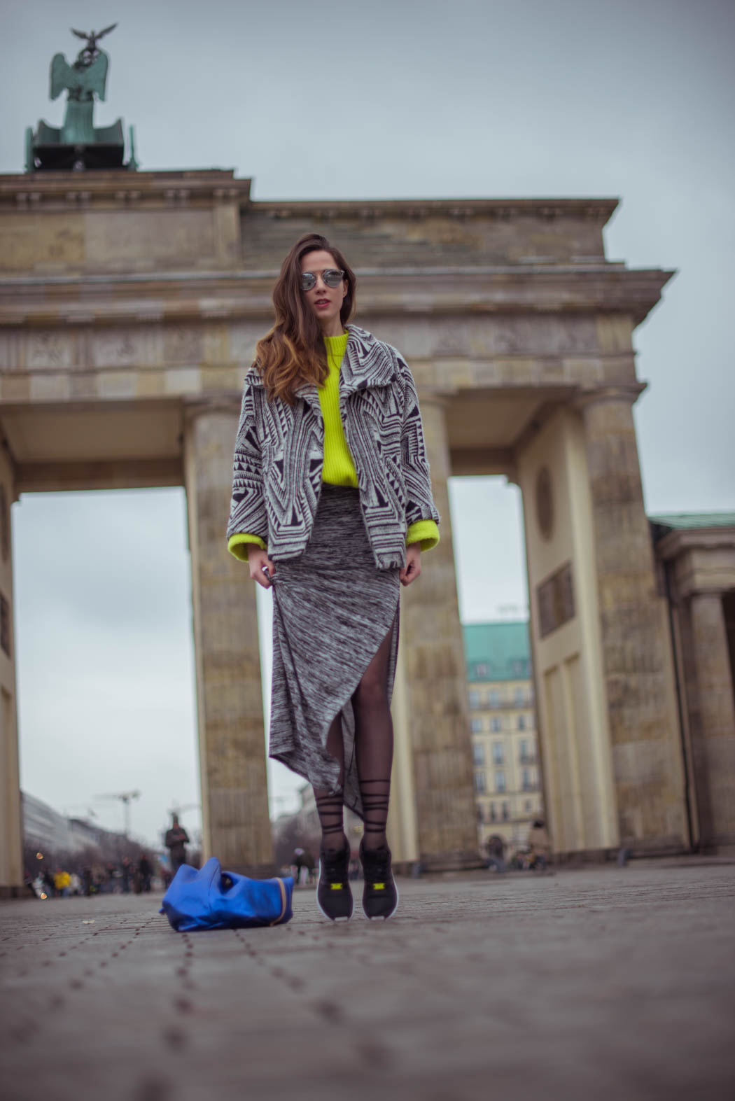 Dior-so-real-neongrüner-Pullover-Cos-Fashionblogger-München-Berlin-Deutschland-Lindarella-Streetstyle-8