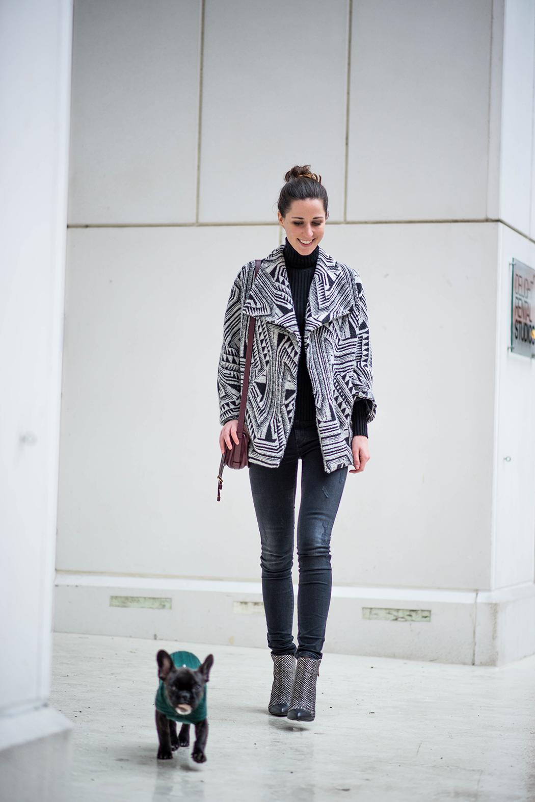 Schwarz-Weiss-Bloggerlook-Chloe-Marcie-weinrot-Fashionblogger-München-Deutschland-2
