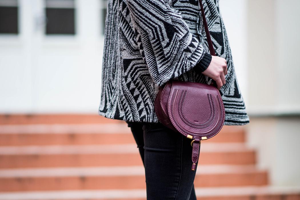 Schwarz-Weiss-Bloggerlook-Chloe-Marcie-weinrot-Fashionblogger-München-Deutschland-6