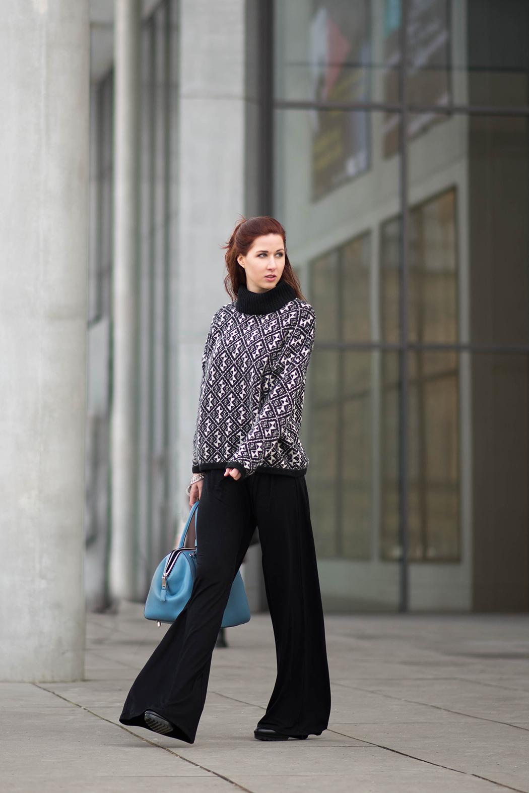 Fashionblog-München-Marc-Jacobs-Incognito-light-blue-Schlaghose-Fashionblogger-Deutschland-6