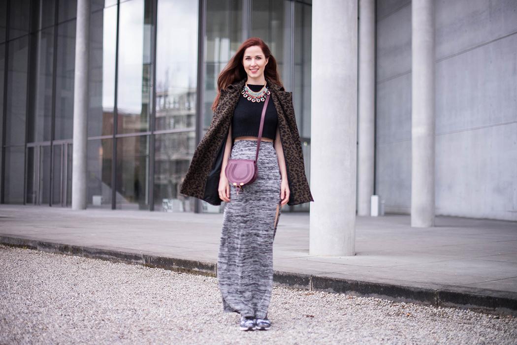 Fashionblogger-München-Fashionblog-Deutschland-Lindarella-Fitnessblogger-Nike-Air-Max-Military-Engelhorn-Chloe-Marcie-weinrot-rot-Crop-Top-Strick-2