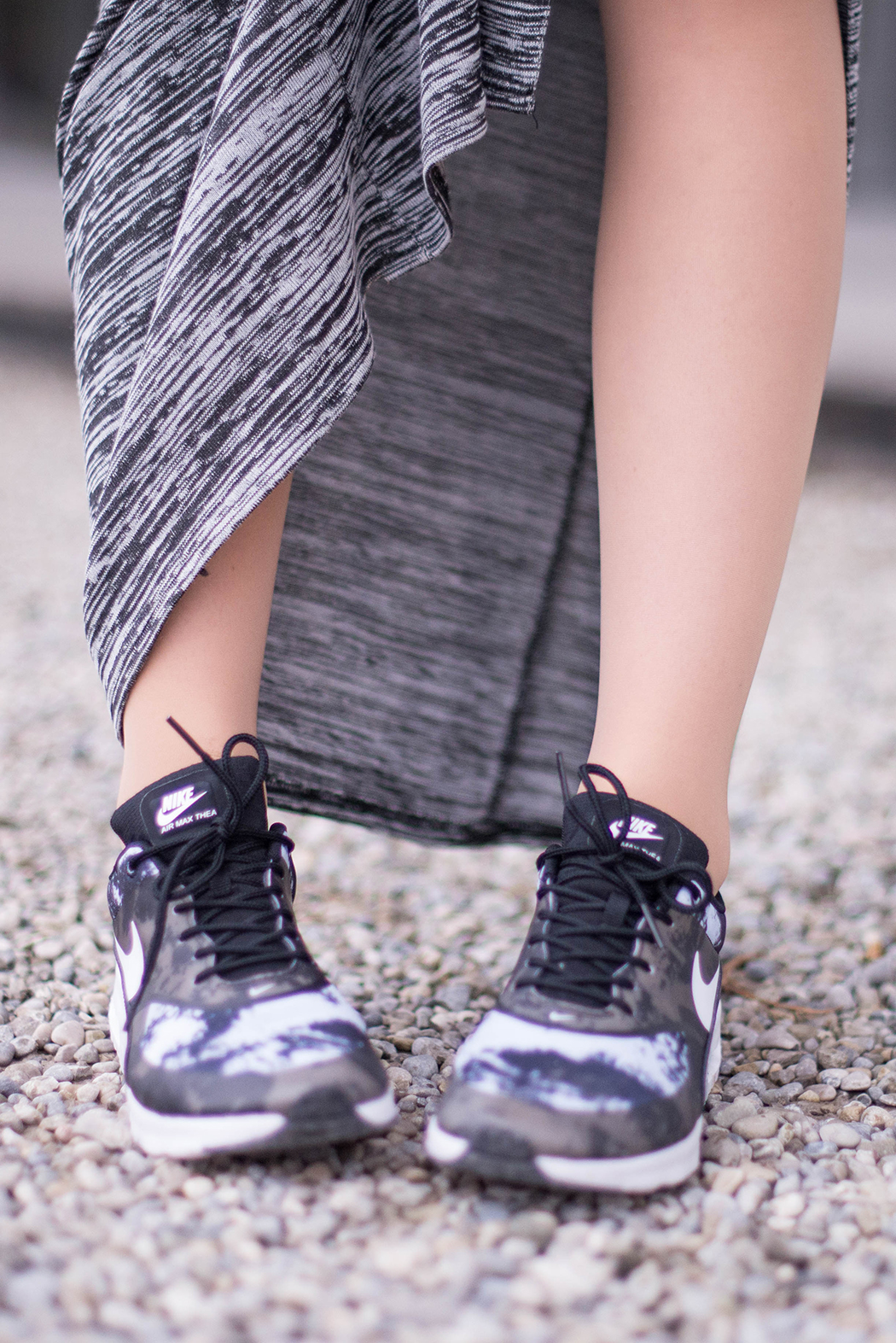 Fashionblogger-München-Fashionblog-Deutschland-Lindarella-Fitnessblogger-Nike-Air-Max-Military-Engelhorn-Chloe-Marcie-weinrot-rot-Crop-Top-Strick-6