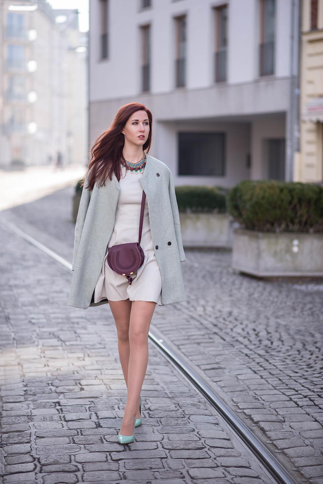 Lederkleid-beige-Zara-mint-Heels-Chloe-Marcie-weinrot-Fashionblogger-München-Fashionblog-Deutschland-Lindarella-2-web