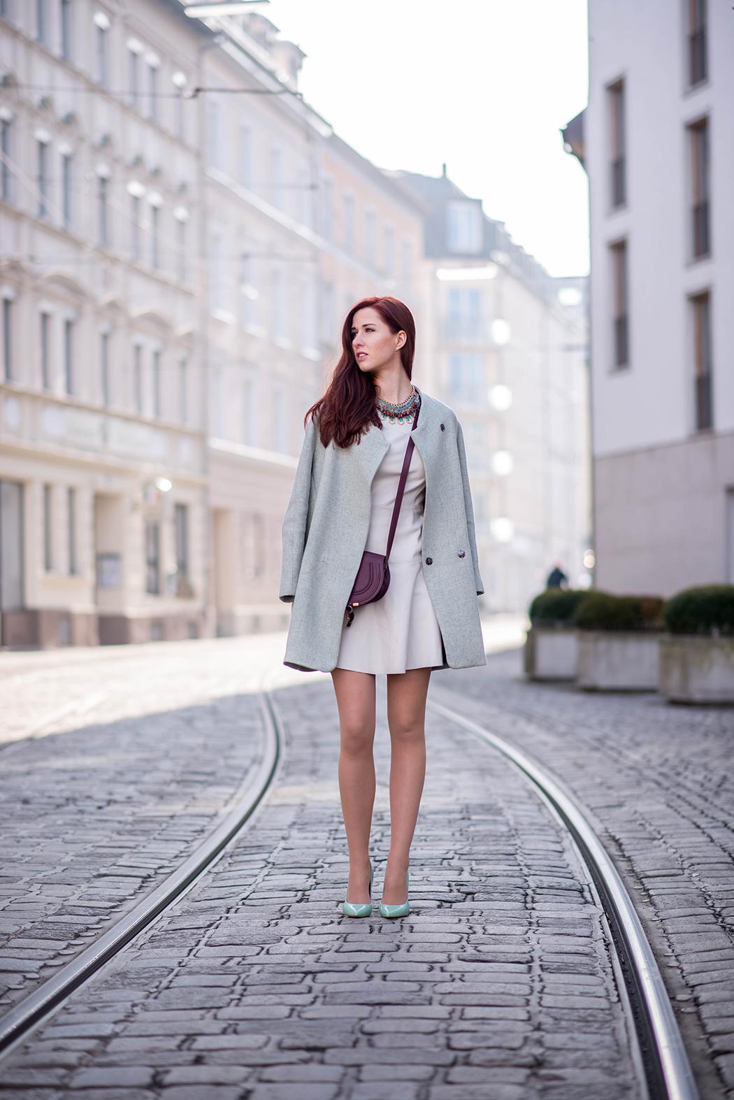 Lederkleid-beige-Zara-mint-Heels-Chloe-Marcie-weinrot-Fashionblogger-München-Fashionblog-Deutschland-Lindarella-7-web