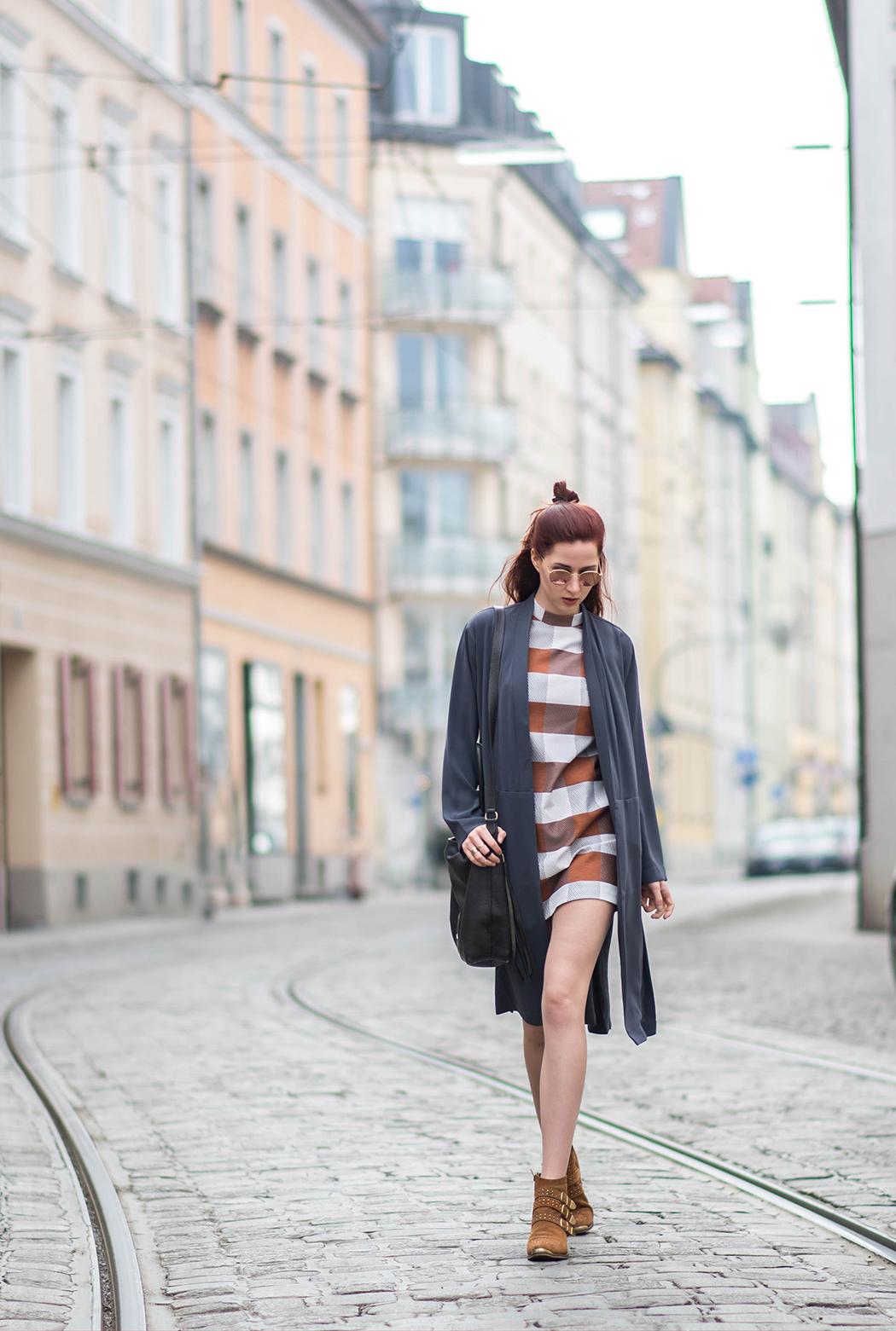 Lindarella-Fashionblog-München-Deutschland-Fashion-Blog-Fashionblogger-Etuikleid-Chloé-Boots-1