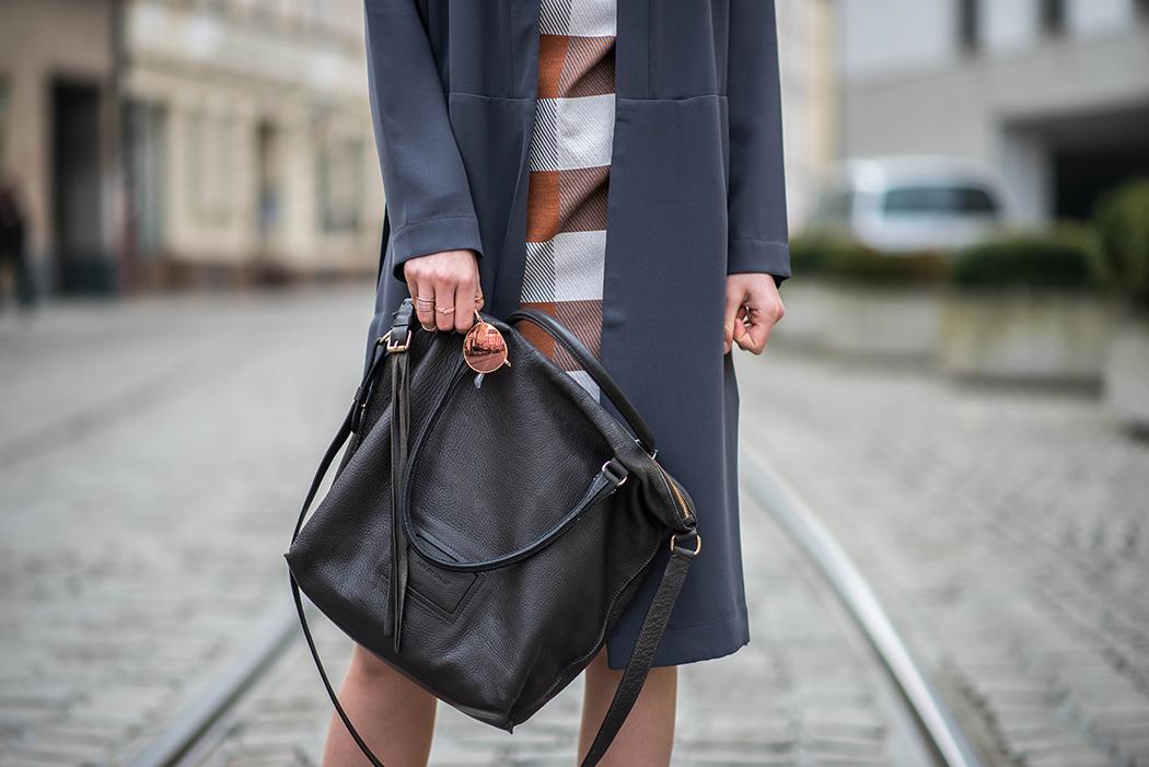 Lindarella-Fashionblog-München-Deutschland-Fashion-Blog-Fashionblogger-Etuikleid-Chloé-Boots-5