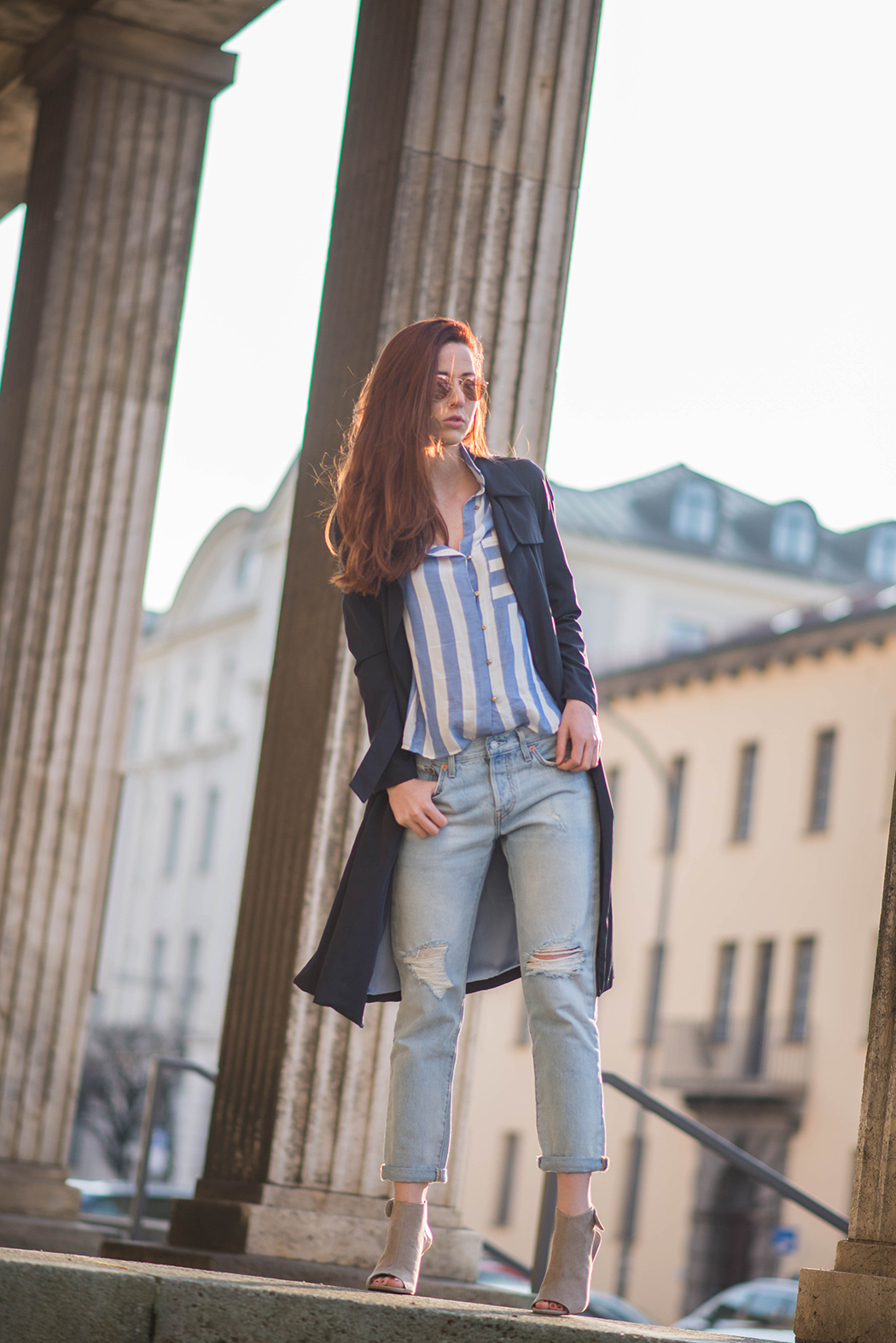 Fashionblogger-Deutschland-Fashionblog-München-Lindarella-Levis-501CT-Marinelook-Ripped-Jeans-Lindarella-3