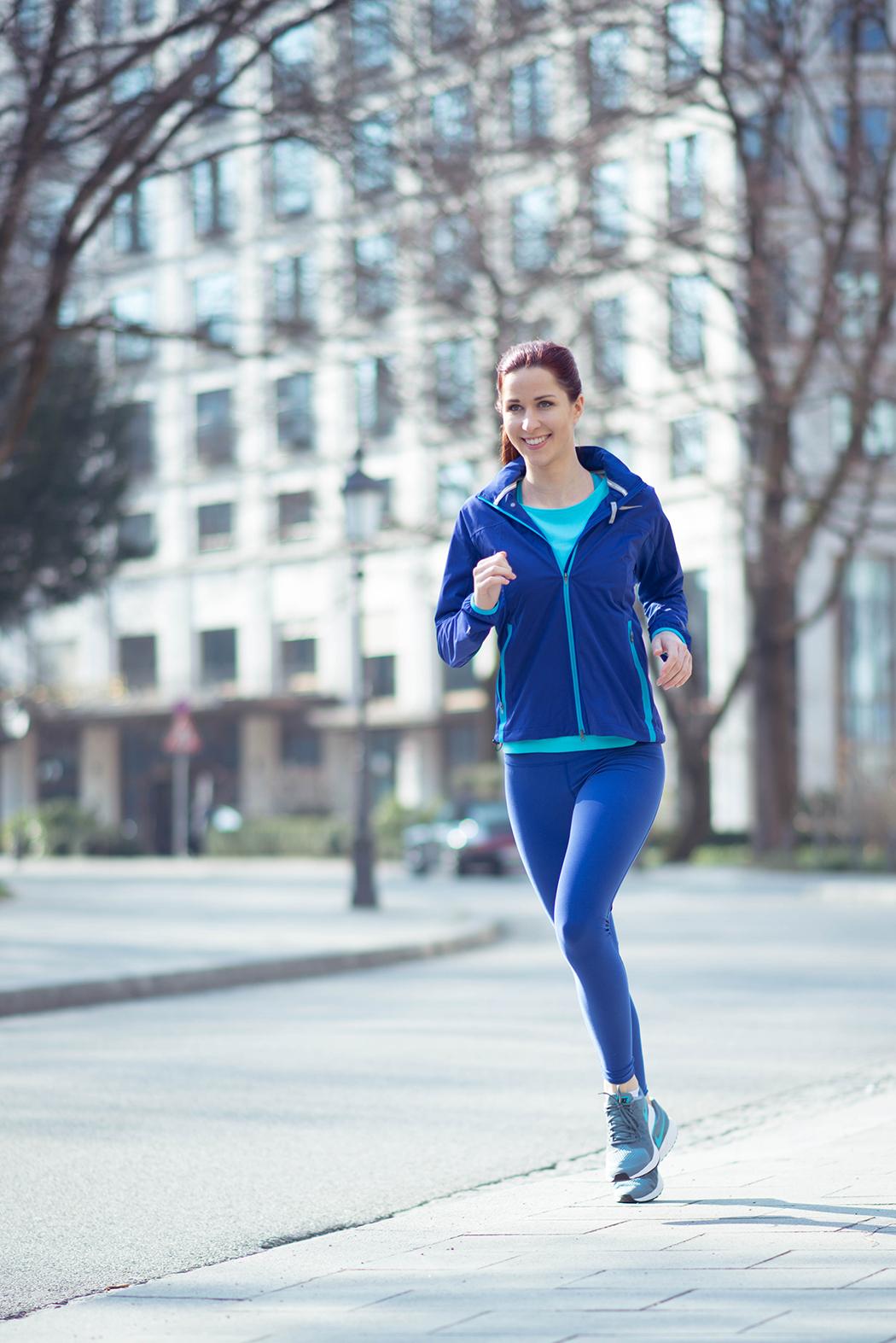 Nike-Running-blaue-Laufhose-Fitnessblogger-München-Deutschland-2