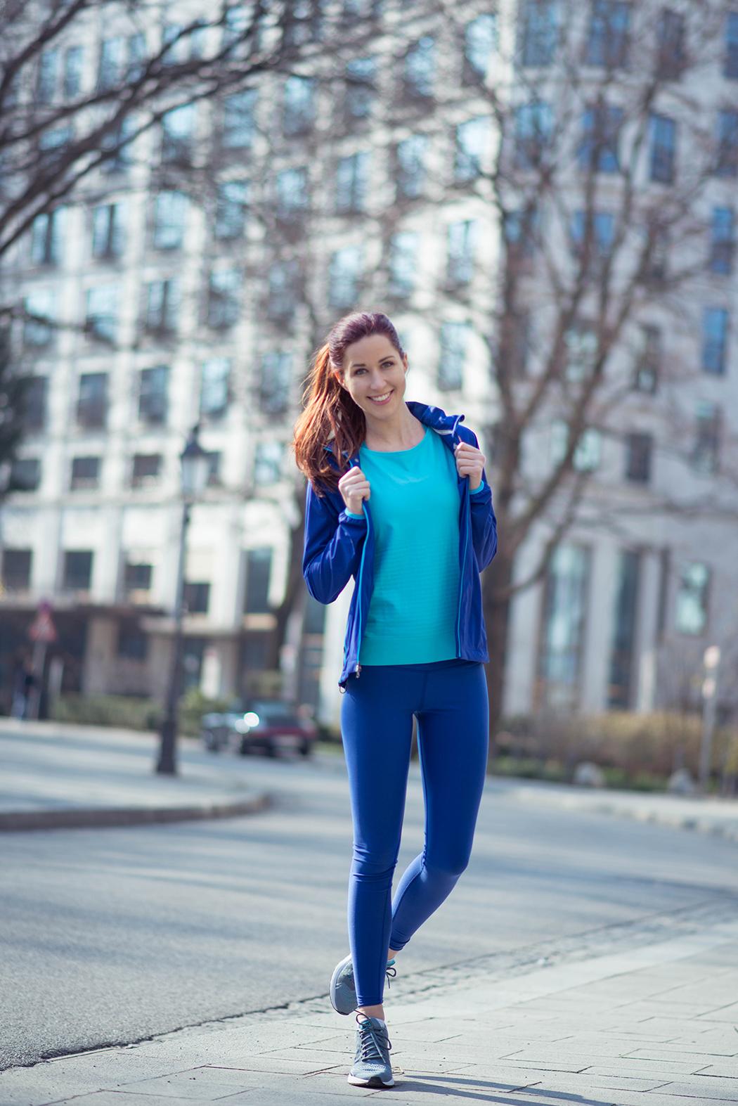 Nike-Running-blaue-Laufhose-Fitnessblogger-München-Deutschland-5