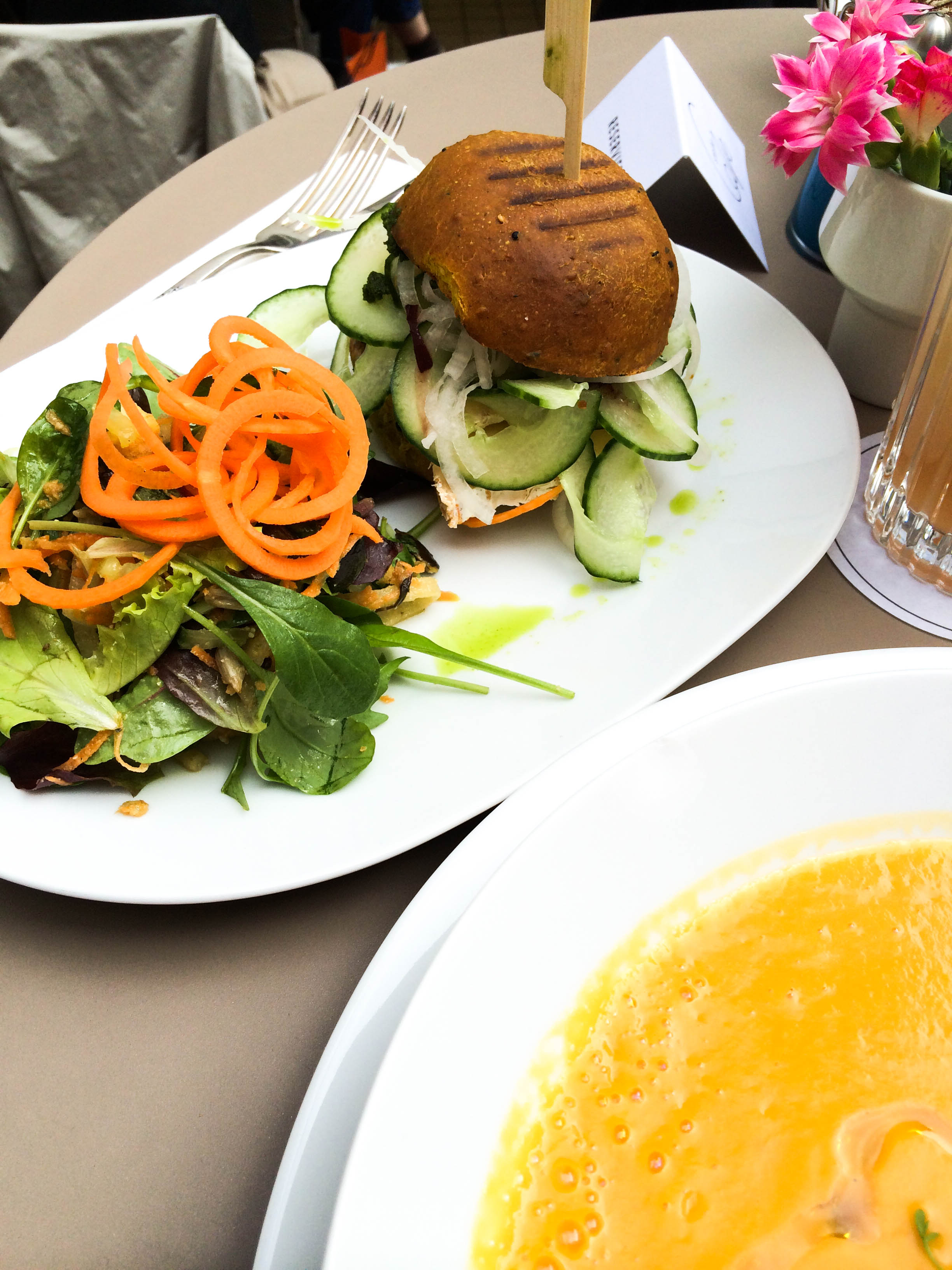 Stereo-Café-Munich-Hotspot-Lindarella-Vegan-Clean-Healthy-Foodblogger-München-Deutschland-Fitnessblog-4