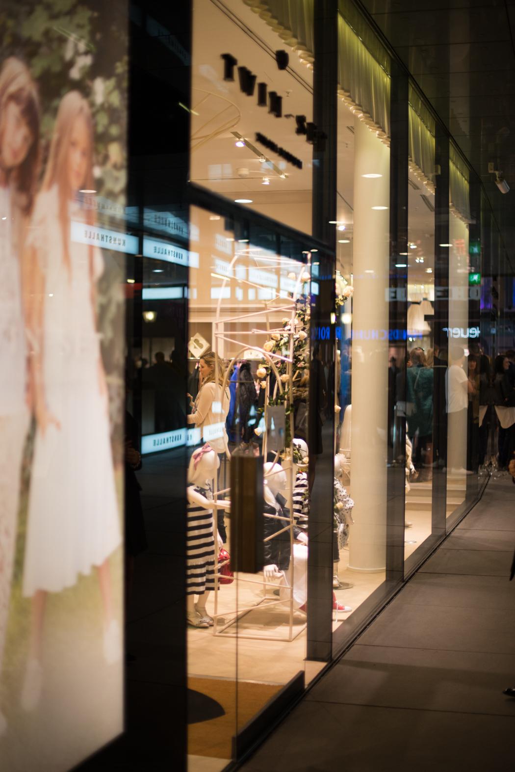 Twin-Set-Opening-München-Store-Munich-Monaco-Simona-Barbieri-Fashionblogger-München-Fashionblog-Deutschland-Blog-Lifestyle-Lindarella-14