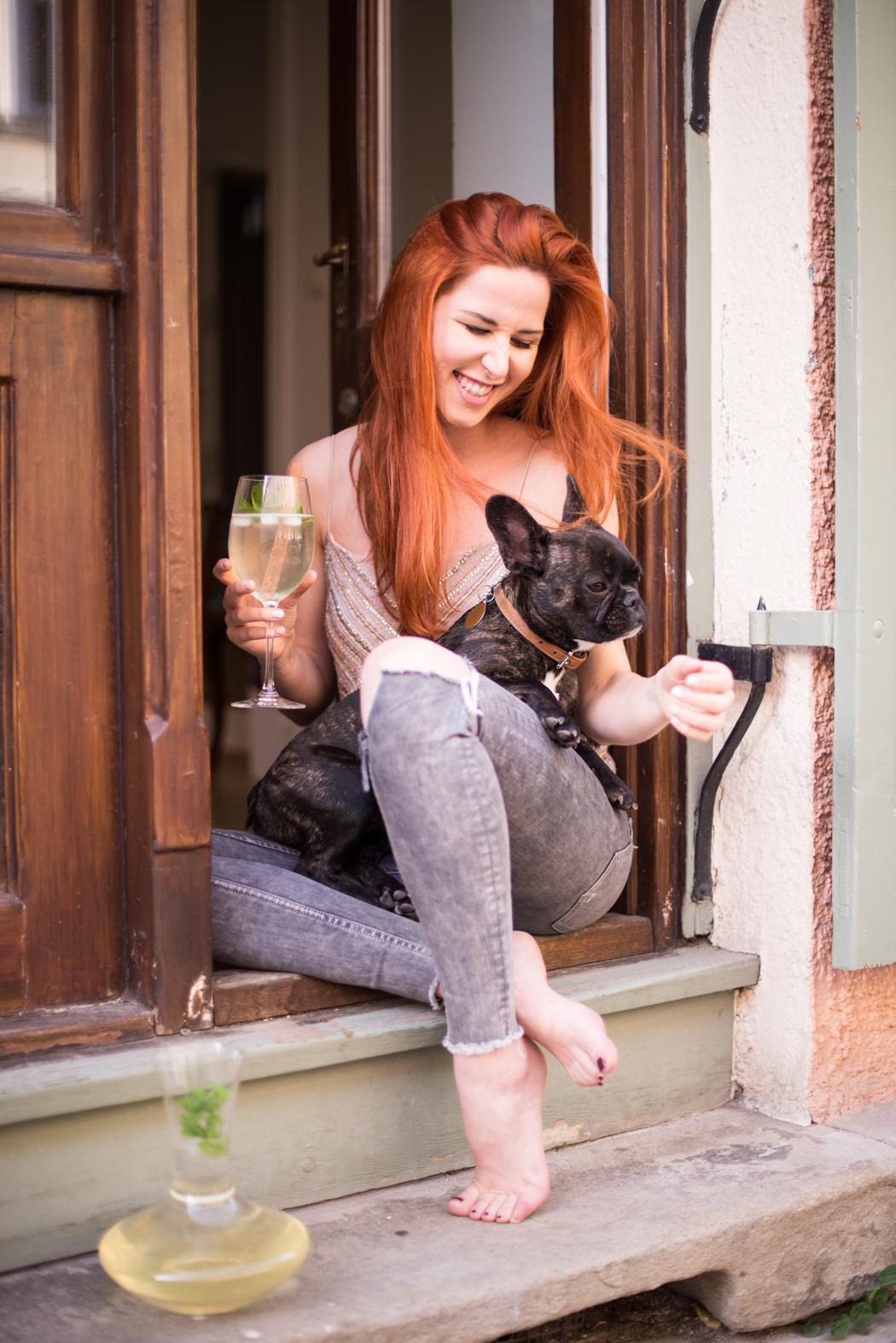 Fashionblog-München-Fashionblogger-Munich-Deutschland-Lindarella-Büro-Hund-Französische-Bulldogge-Vicky-Blog-Lifestyle-rote-Haare-Redhead-Fashion Blog-4