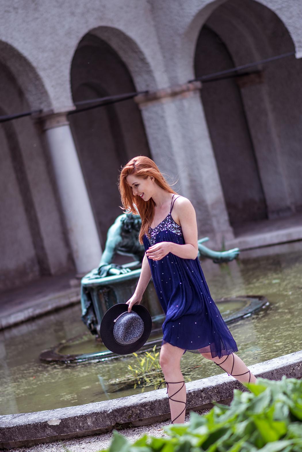Blaues paillettenkleid lindarella fashion und fitness for Ich suche wohnung in munchen