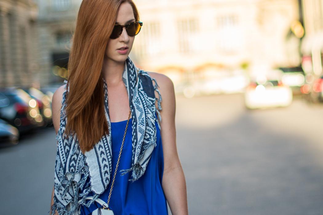 Fashionblog-Fashionblogger-München-Deutschland-Fashion-Blog-Lifestyle-Lindarella-Linda-Rella-Emporio_Armani_Sounds-Munich-Armani-Tasche-blau-weiß-2