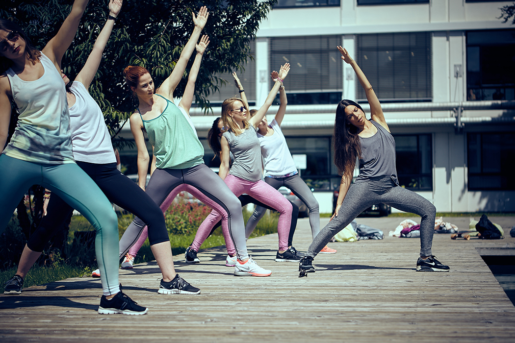 2015-06-26-Bench-Urban-Yoga-mit-Amiena 260