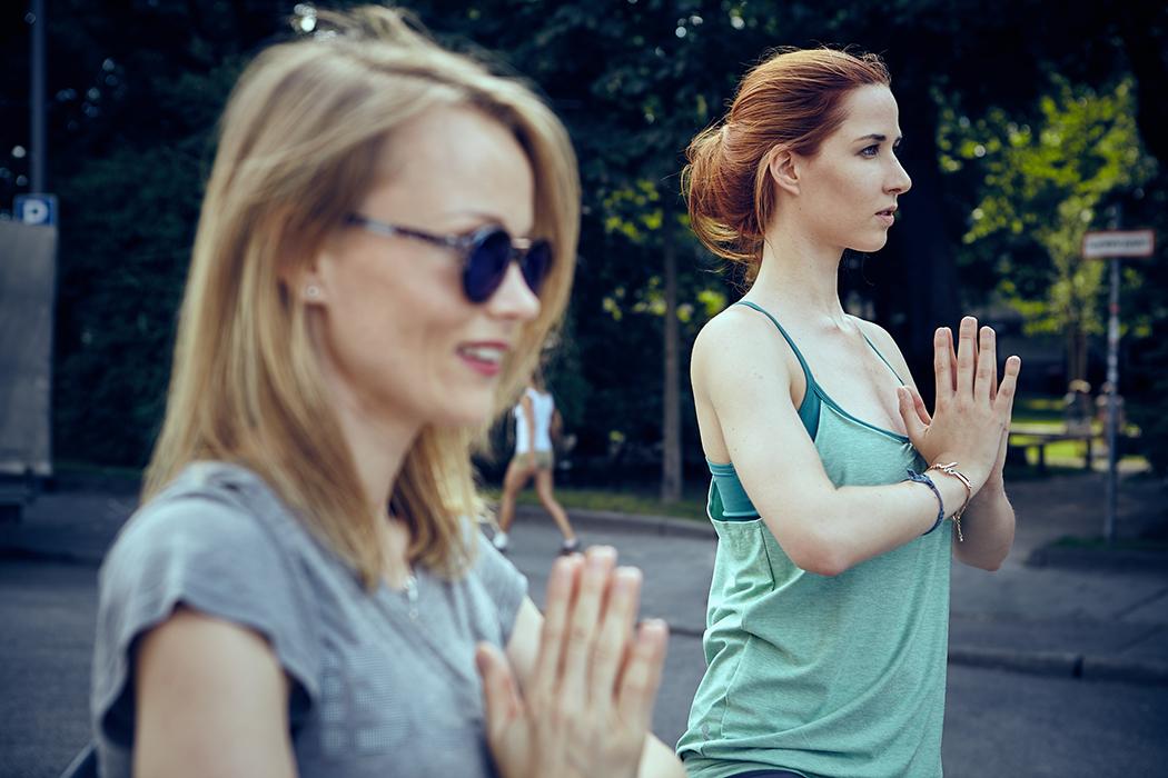 2015-06-26-Bench-Urban-Yoga-mit-Amiena 607