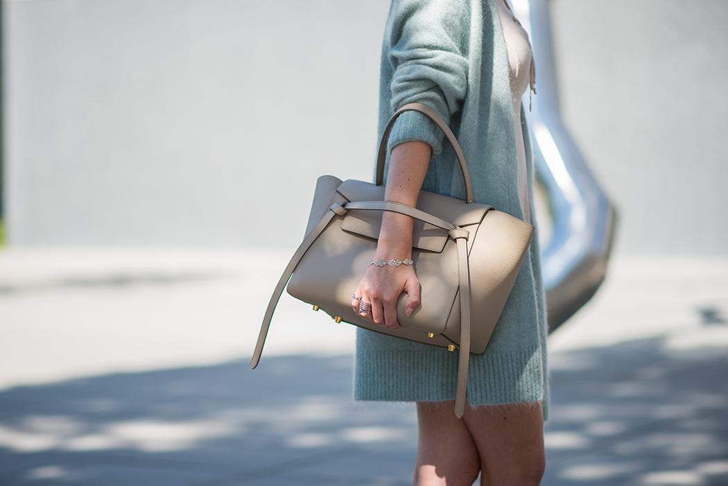 Fashionblog-Fashionblogger-Fashion-Blog-Blogger-Lifestyle-Lindarella-Linda-Rella-Acne-Kaschmirjacke-mint-tuerkis-Dior-so-real-Celine_Belt_Bag-Céline_Tasche-27-web
