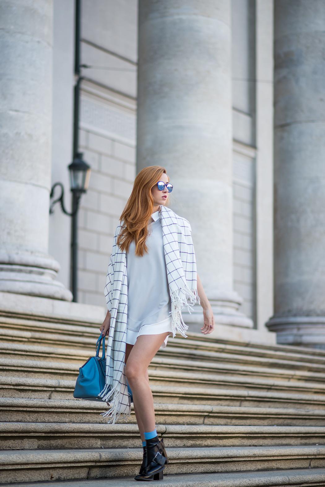 Fashionblog-Fashionblogger-München-Deutschland-Fashion-Blog-Lifestyle-Lindarella-Linda-Rella-Hemdkleid-Marc-Jacobs-Le_Specs-blau-verspiegelt-1-web