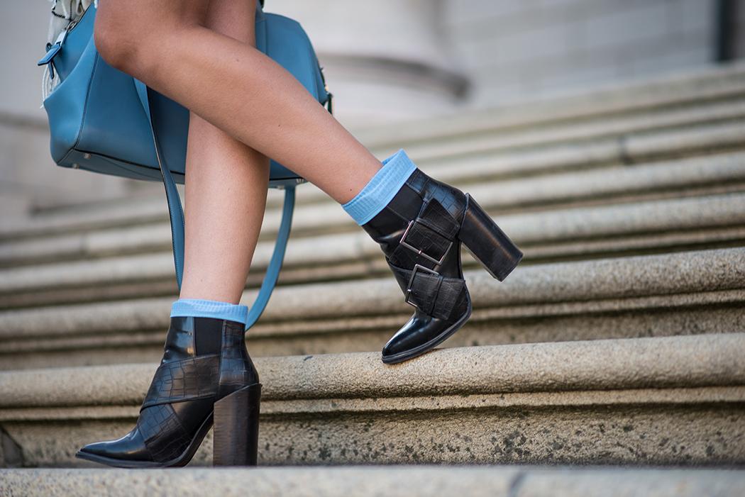 Fashionblog-Fashionblogger-München-Deutschland-Fashion-Blog-Lifestyle-Lindarella-Linda-Rella-Hemdkleid-Marc-Jacobs-Le_Specs-blau-verspiegelt-7-web