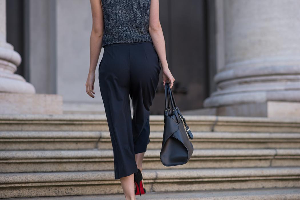 Fashionblog-Fashionblogger-München-Deutschland-Fashion-Blog-Lifestyle-Lindarella-Linda-Rella-Rollkragen-Pollunder-Strick-Palazzo-Hose-Louboutin-Heels-1-web