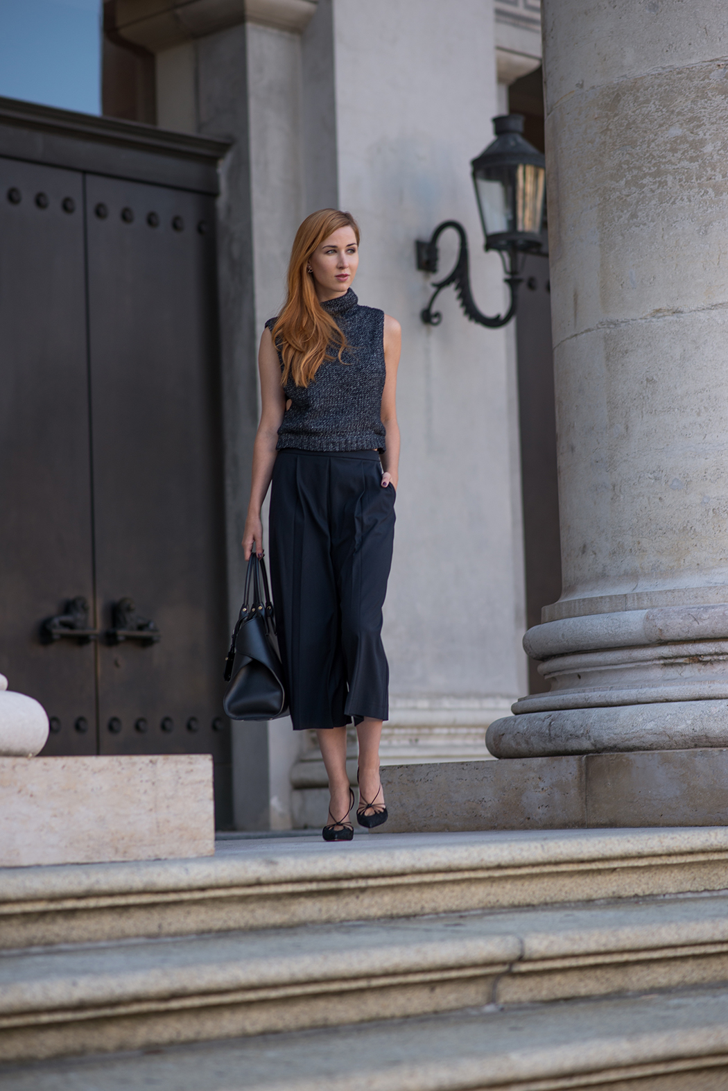 Fashionblog-Fashionblogger-München-Deutschland-Fashion-Blog-Lifestyle-Lindarella-Linda-Rella-Rollkragen-Pollunder-Strick-Palazzo-Hose-Louboutin-Heels-2-web