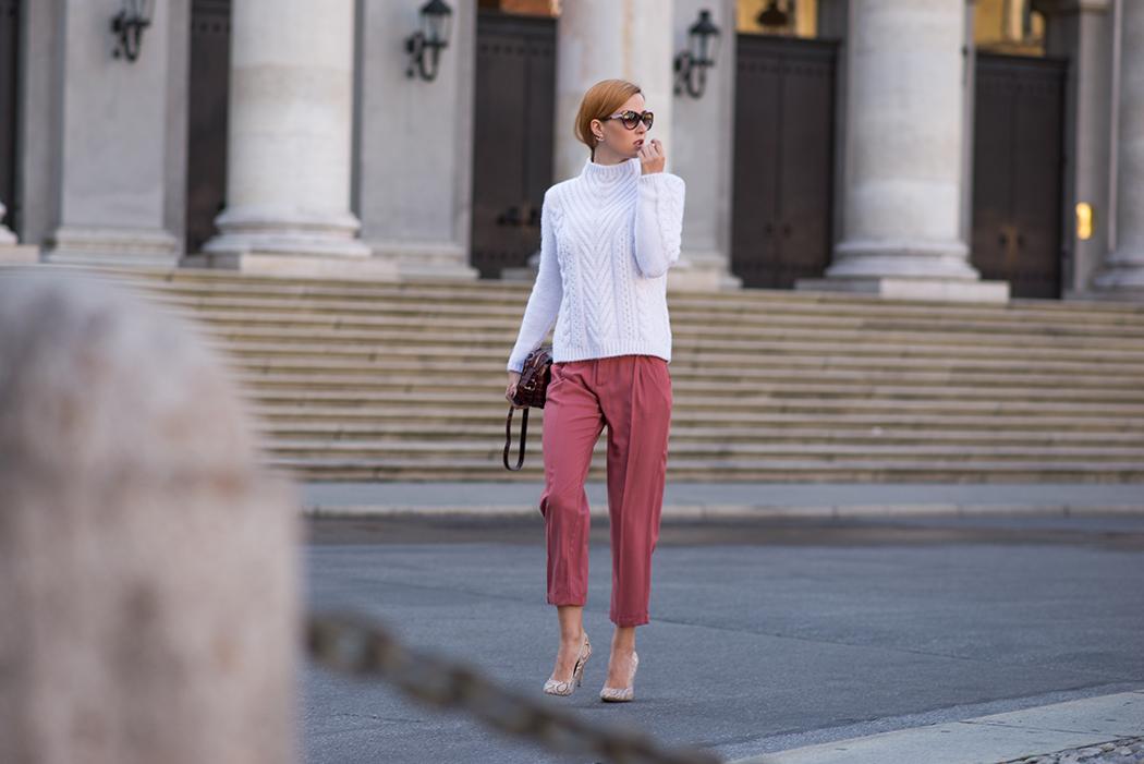 Fashionblog-Fashionblogger-München-Deutschland-Fashion-Blog-Lifestyle-Lindarella-Linda-Rella-Rollkragen_Pullover_weiß-Zara-8-web