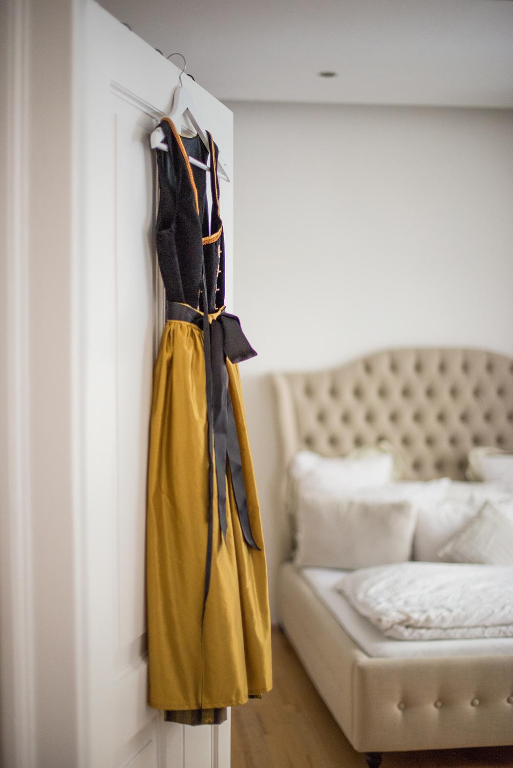 Fashionblog-Fashionblogger-Fashion-Blog-Blogger-Lifestyle-Wiesn-Tracht-Dirndl-Linda-Lindarella-München-Deutschland-1-web